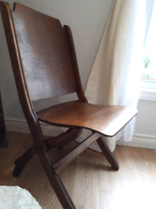 Vintage Folding Wooden Chair