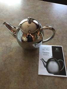 BRENTWOOD  INSULATED TEA POT  EPICURE