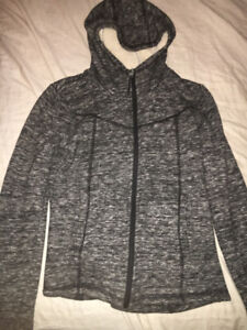 WOMENS BENCH SWEATER FOR FALL OR WINTER