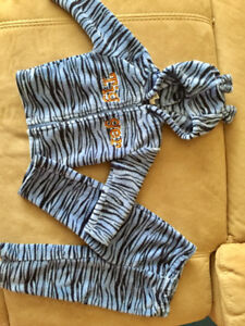 Disney Tigger Outfit, size 24 months