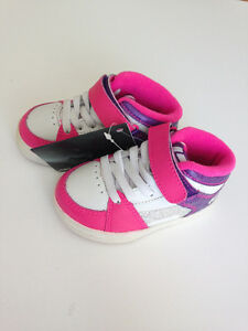 Etnies Toddler Girl Sneakers  Size 6 - NWT