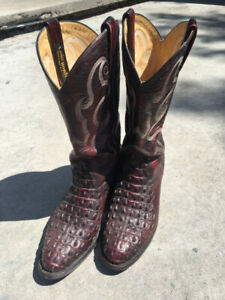 cf4c193a2c8 Alligator Boots   Kijiji - Buy, Sell & Save with Canada's #1 Local ...
