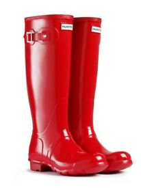Brand New - Women's Original Hunter Wellington Boots Red (glossy), Unworn and with Original Box