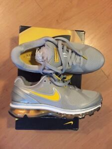 Selling a Pair of Grey/Yellow Size 7 Wms Nike Air Max 2010 $80