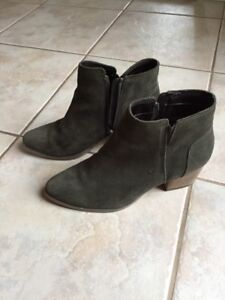 Green aldo boots size 7