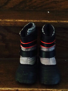 Like New Boy Toddler Size 8 Winter Boots