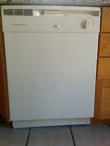 Frigidaire Stove, Dishwasher,exhaust fan and microwave Kitchener / Waterloo Kitchener Area image 1