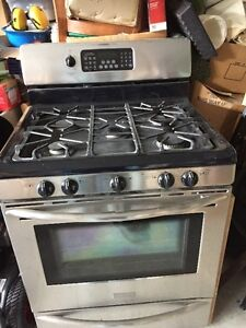 Kitchen Aide Professional Gas Stove