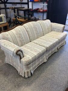 Very nice estate couch