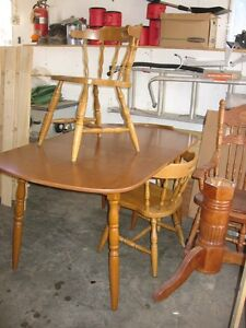 Kitchen Table with Leaf & Chairs