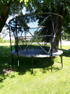 Outbound Oval trampoline 13' with Safety enclosure