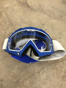 Thor dirt bike goggles. Small size