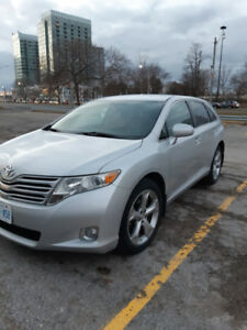 """Toyota Venza 2009 V6 3.5L 20"""" Alloy wheels and dual exhaust"""