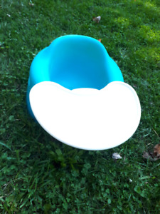 Bumble chair with tray