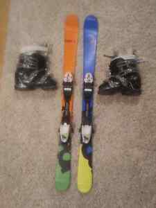 Children's Head 117 cm skis with boots.