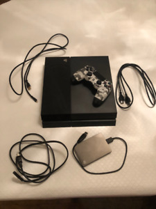 PS4 Console good condition + Controller + Ext. Hard Drive (2TB)