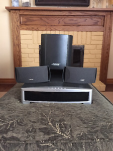 Bose AV3-2-1 II DVD/CD Player Media Center w/Speakers & Subw