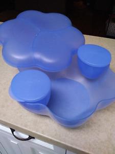 Tupperware Serving Bowl