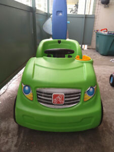Toddler Riding vehicle: Step2 Buggy and Fisher-Price Scooter