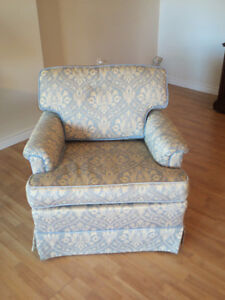 Beautiful Arm Chair/Accent Chair