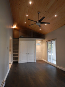 Spectacular Exec. 1 Bedroom Apartment with office/studio space