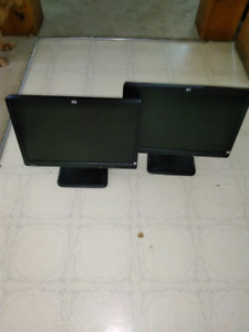 2 HP LE1901w Monitors $30.00