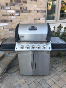 Napoleon Mirage BBQ Grill (Natural Gas)