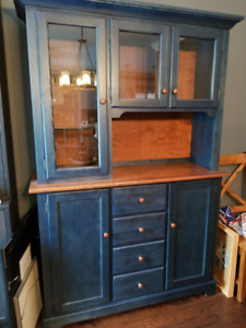 Rustic Style Dining Room Hutch