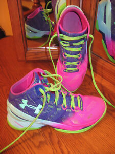 UNDER ARMOUR CURRY TWO - Basketball shoes - sz.8.5 London Ontario image 2