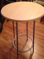 High/cocktail table