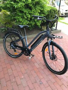 IGO Explore electric bike, 2017 model like new