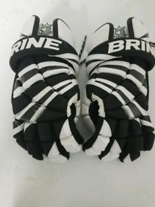 Brine Lacrosse gloves size Senior Small