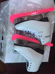 5J size skating shoes