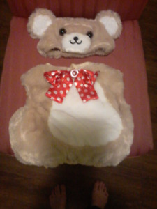 Infant teddy bear costume (no size on tag, fit 5 month old baby)