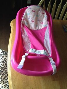 The first years newborn to toddler tub, with sling.