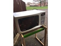 FULLY WORKING MICROWAVE ** FREE DELIVERY SUNDAY NIGHT **