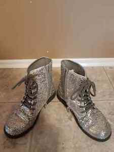 Size 1 sparkly silver boots
