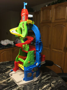 Fisher Price Little People Skyway Playset