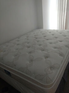 Moving sale!! Double size mattress and box