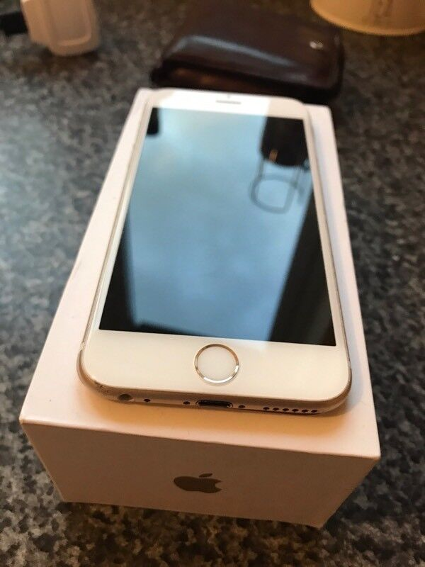 Apple iPhone 64GB Unlocked to all networks