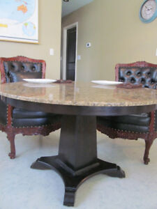 Hamilton WANT IT SOLD BEST OFFER FOR BEAUTIFUL GRANITE TABLE