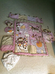 Crib bedding (girl)
