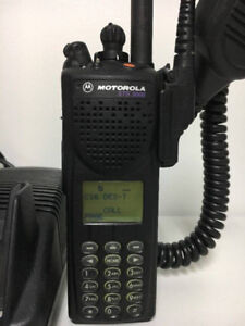 Motorola XTS 3000 model 3 vhf handheld