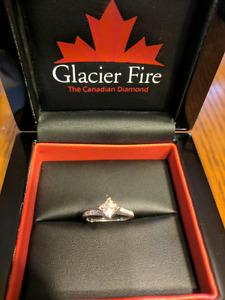 14kt. Gold Princess cut diamond ring w/ wedding band
