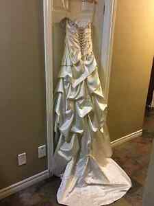 Beautiful Couture Wedding Dress Kitchener / Waterloo Kitchener Area image 4