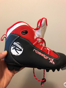 Rossignol X1j junior cross country ski boot size 34
