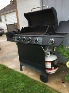 Bbq set, accessories and 2 tanks