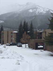 Alderwood Place apartments in Elkford
