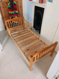 Toddler bed frame
