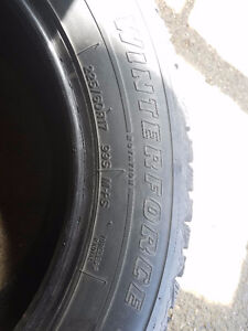 4 pneus Winterforce Firestone 225 60 17